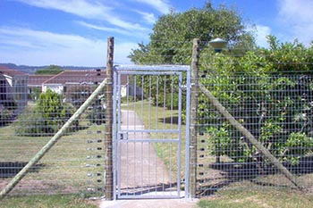 Steel gate manufacturers
